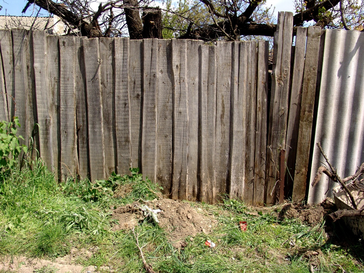 How To Repair And Restore Fencing Before The End Of Spring